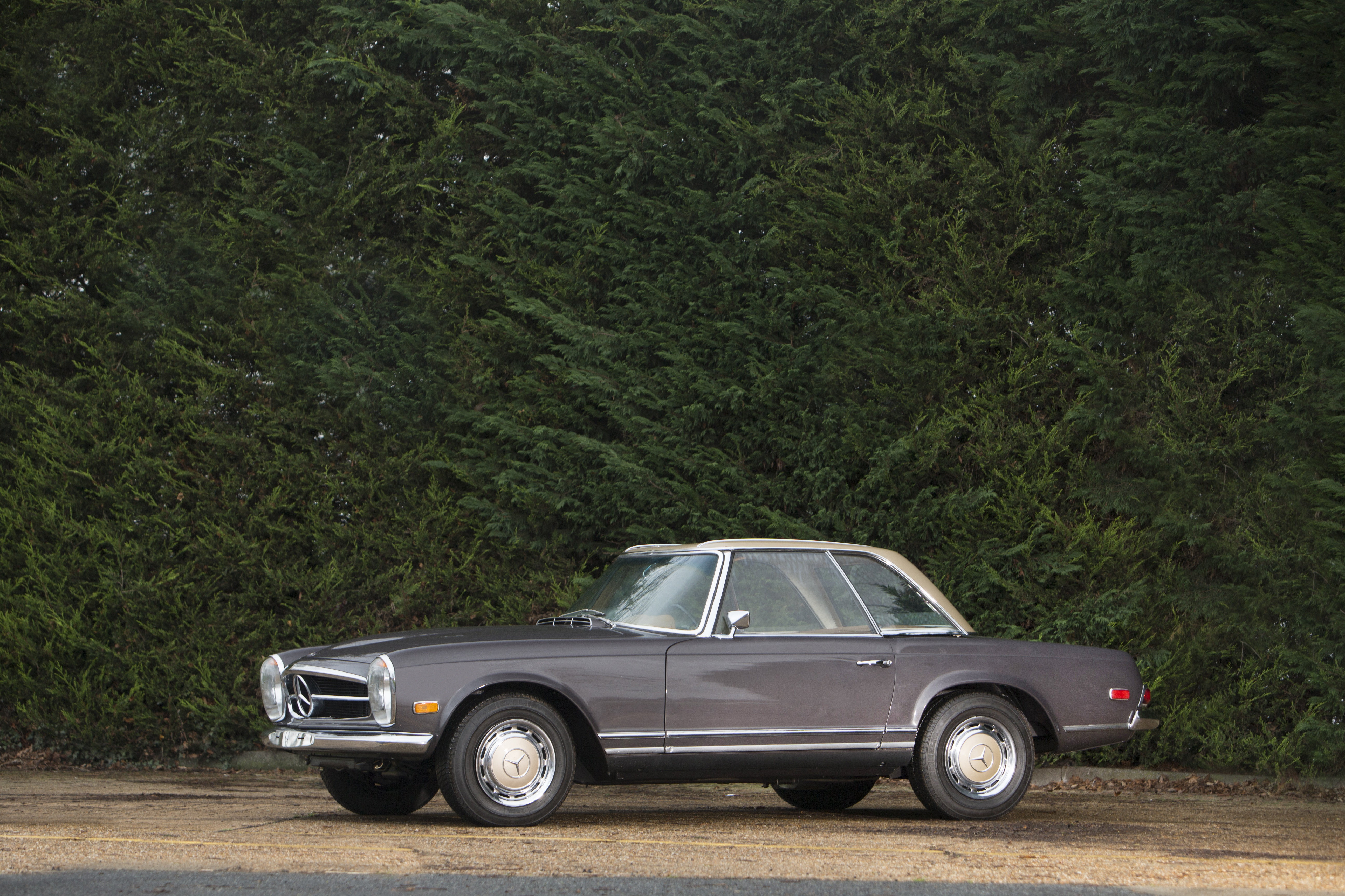 MERCEDES-BENZ AUCTIONED BY BONHAMS IN AID OF PARIS CHARITY FOR POST-TRAUMA RESEARCH  cover