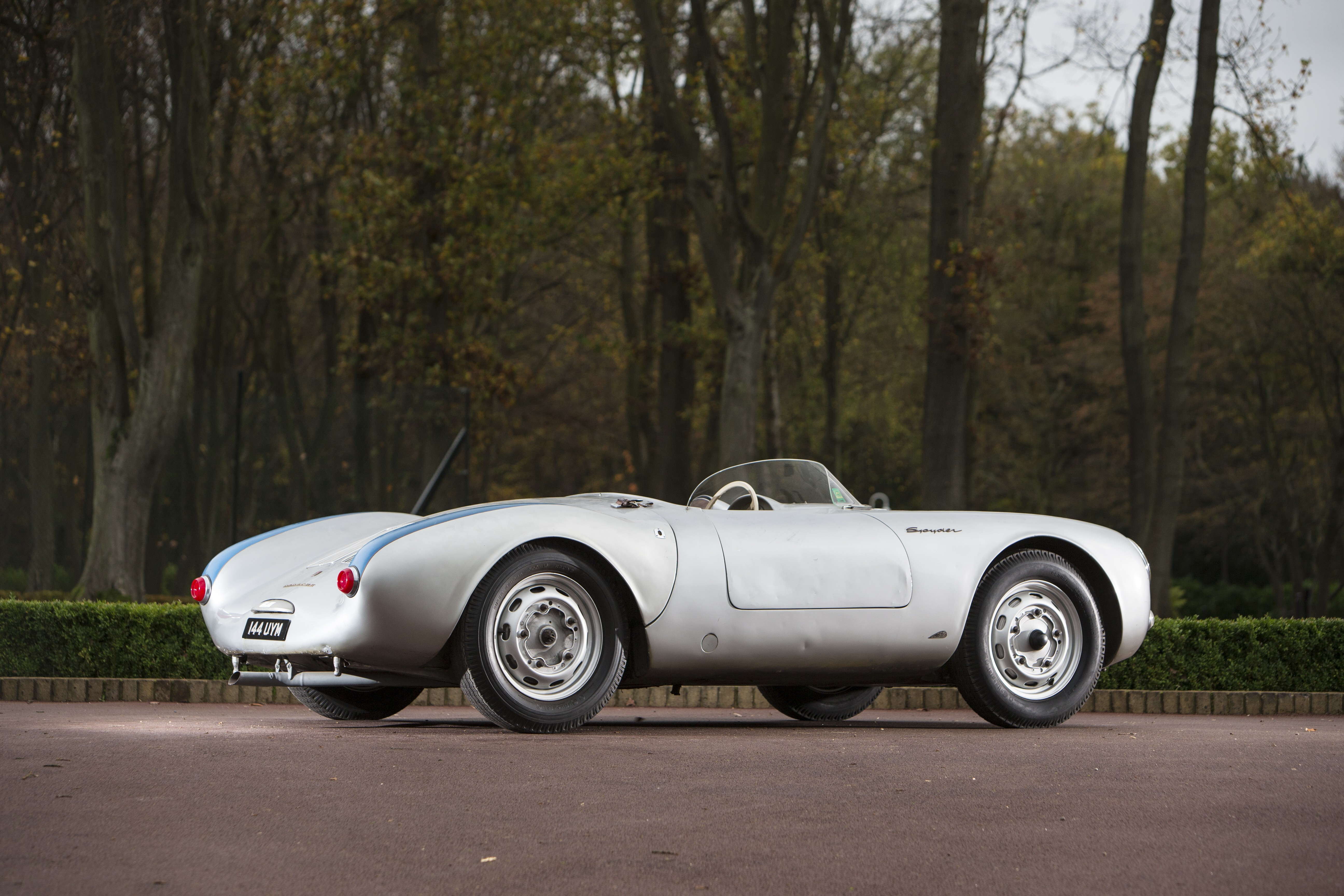 WORLD RECORD ACHIEVED AS PORSCHE 550 SELLS FOR £4.6 MILLION AT BONHAMS GOODWOOD REVIVAL AUCTION cover